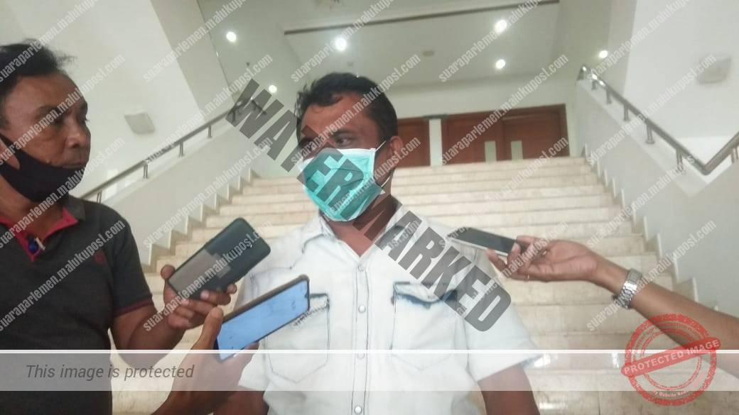 Wakil Ketua Komisi III DPRD Maluku,Hatta Hehanusa