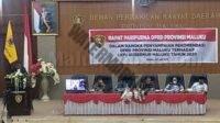 Ketua Pansus, Benhur G Watubun saat membacakan lima rekomendasi DPRD Maluku terhadap LKPJ Gubenur tahun 2020